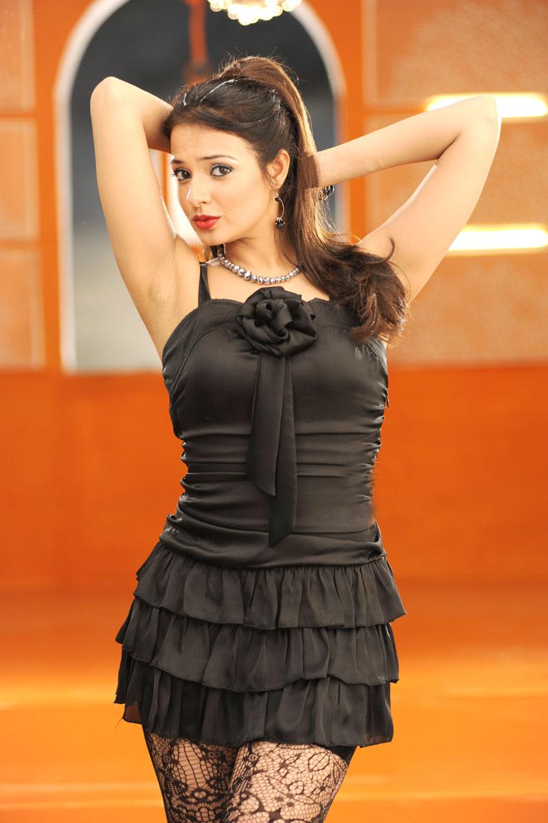 saloni telugu actress in maryada ramanna actress photos
